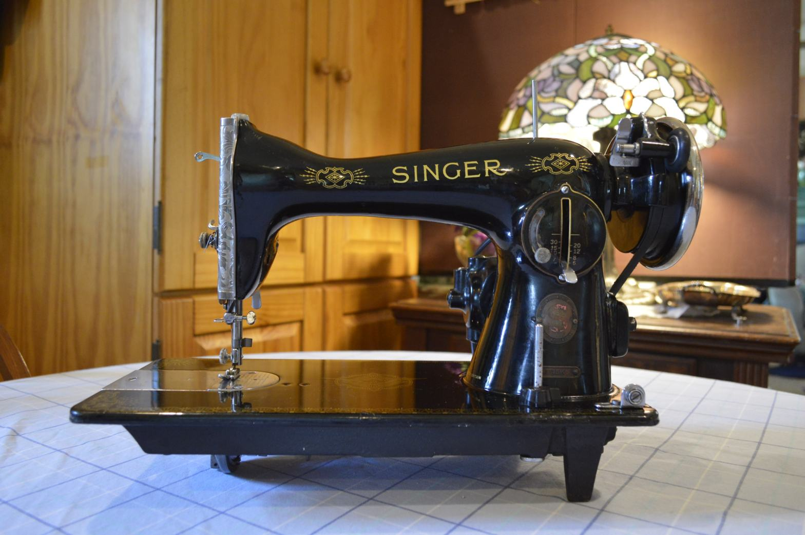 How To Clean And Restore A Vintage Singer 15k 110 Sewing Machine Restored Vintage Fine Quality Sewing Machines
